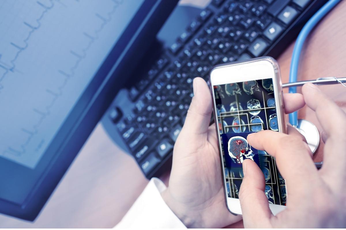 NHS scans mobile phone